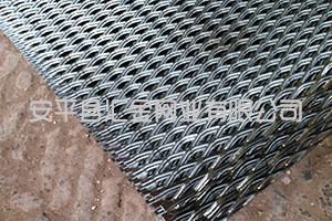 重型钢板网也可以制作成为消音设备